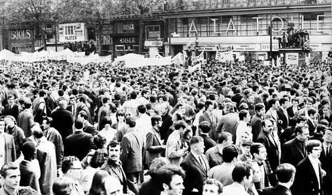 http://www.formes-vives.org/blog/images/politique/mai-68-manif.jpg