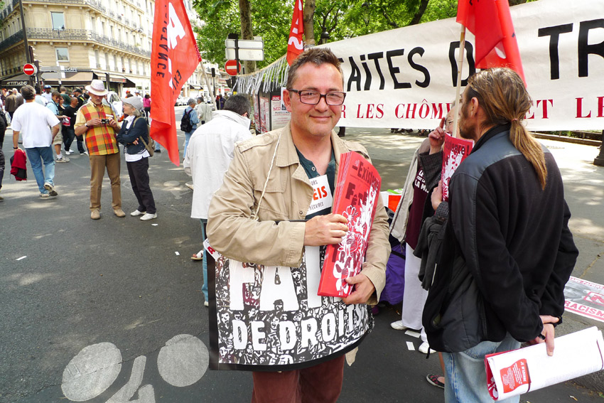 Formes Vives, 'Existence', Apeis association newspaper, May Day demonstration, 2011